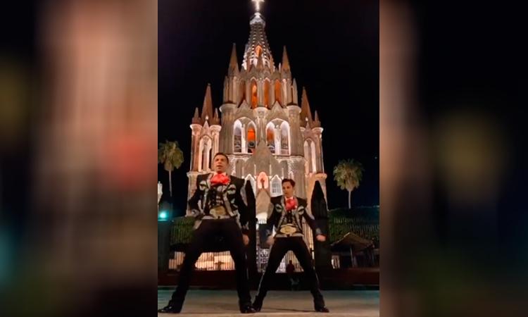 Guanajuato Mariachi de San Miguel de Allende hace reto de Shakira y se viraliza
